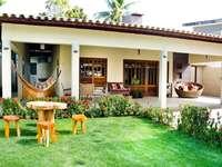 Ház kerttel - Ház szép fűvel
