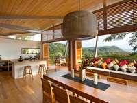 Nappali gyönyörű kilátással - Fából készült szoba gyönyörű kilátással