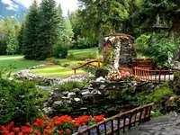 Visão - Montanhas, árvores, flores coloridas