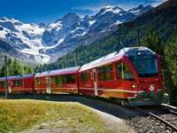 Tren Bernina Express por los Alpes