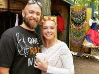 bărbat și femeie în picioare lângă copaci și îmbrăcăminte - 6348 Lahring Rd, Holly, MI 48442, SUA, Statele Unite