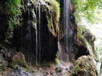 Cascata di Varovitec - Cascata calcarea nel campo etro