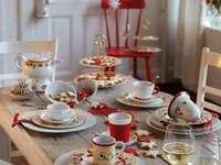asztal egy ünnepi partira