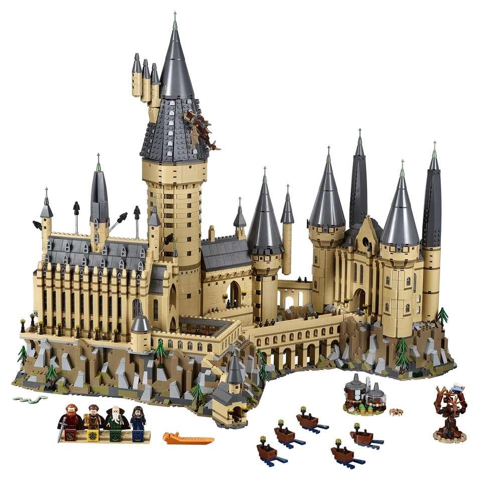 Lego Hogwarts - Puzzle dintr-o fotografie a lui Hogwarts stivuită cu Lego. Mare palat (7×8)