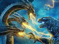 Godzilla king of the monsters - Ghidorah and Godzilla meet to fight for the throne