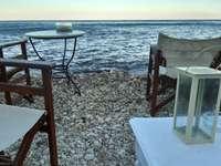 tengerparti kávézó