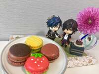Delicious macaroons - Mitsu and his boyfriend present us with pretty macaroons