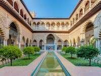Cortile del complesso del palazzo di Siviglia - Cortile del complesso del palazzo di Siviglia