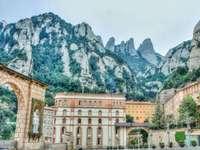 Манастирът Монсерат в Испания - Манастирът Монсерат в Испания