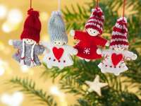 Christmas tree decorations - festive christmas decorations