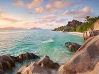 La digue Seychelles - Plaja minunată din Seychelles