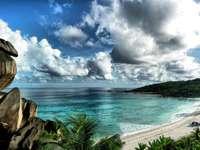Плаж Сейшели - Панорама на остров Сейшелски острови
