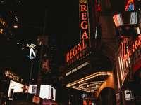 Regal Cinemas épület - Theatre District, New York, Egyesült Államok