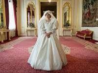 La corona - L'abito da sposa di Diana