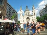 Hungría / Budapest - Hungría / visita a la iglesia