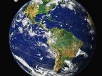 Země - Planeta Země ve sluneční soustavě