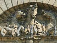 стадо коне статуя