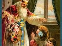 SAN NICOLA - Babbo Natale arriva la notte del 5 dicembre e lascia i regali con gli stivali per i bambini buoni