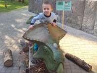 Анджело и динозавърът
