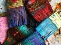 pennelli di colori assortiti - Nokomis, Stati Uniti