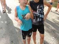 wyścig wakacyjny - Loris i Enzo na wakacjach w Marsylii