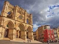 Orașul Cuenca din Spania