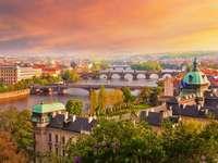 folyó hídokkal Prágában - m .........................