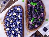 mega sendviče - lesní ovoce v zajímavém vydání
