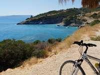 bicicletă și plajă - bicicletă și plajă pe insulă