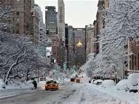 Iarna în oraș - Iarna în oraș, zăpadă ......