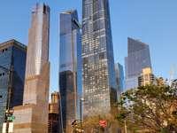 NOVA YORK - UMA TARDE ENSOLARADA NO VERÃO EM NOVA YORK