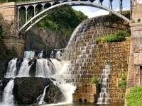 al naibii de aproape de pădure - Barajul New Croton din New York.
