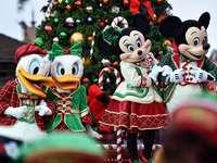 Vánoční přehlídka v parcích Disney