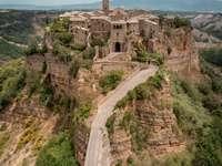 civita di bagnoregio Italien - fantastiskt exempel på en medeltida by Lazio Italien