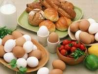 huevos, bagels - m .......................