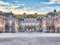 voormalige residentie van de koningen van Frankrijk - m ...................