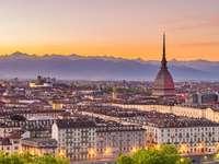 Torino al tramonto italia