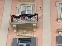Crăciun Salerno Italia sosește - via Roma primele decorațiuni de Crăciun Salerno Italia
