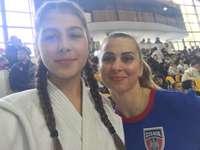 sabina judo - foto de recuerdo de sabina con alina dumitru