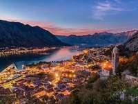 το Μαυροβούνιο τη νύχτα - Μ .....................