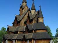 iglesia de madera - m .....................
