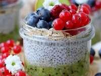 postre de chía con frutas