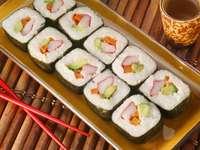 Japansk maträtt - sushi - m .....................