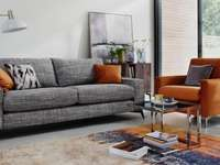 LIVING ROOM - AFTER FINISHING, USE PREPOSITIONS OF PLACE.