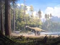 Μεσοζωική γεωλογική εποχή - Γεωλογικό στάδιο όπου εμφανίζονται τα μεγάλα πλάσματα