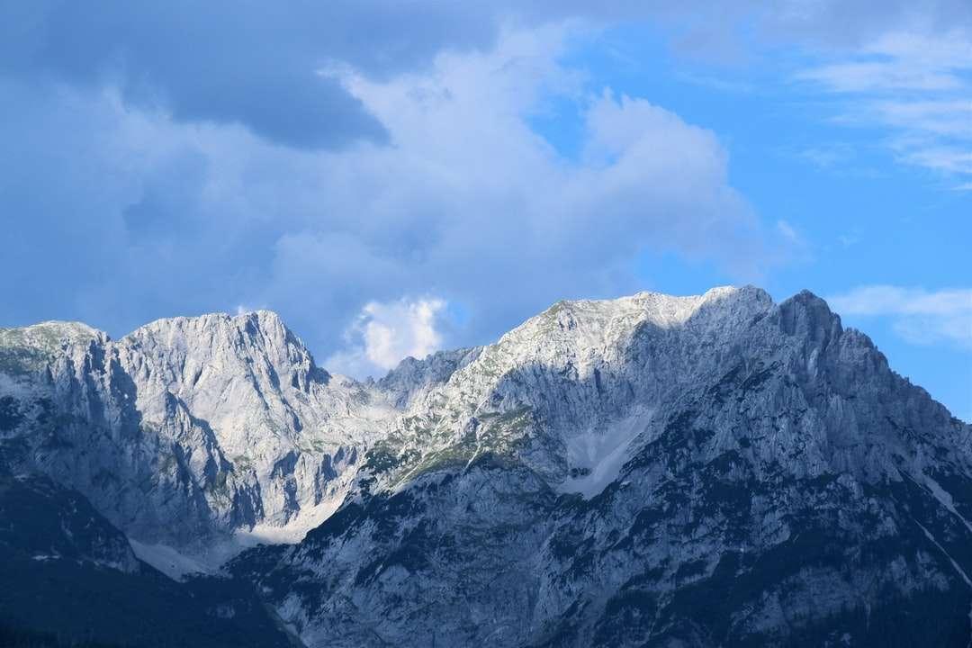 pico da montanha com neve branca - Wilder Kaiser, Söll, Áustria (12×8)