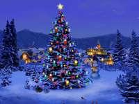 julgran - Bild med dekorerad julgran.