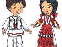 Romanas e romancuta in abiti popolari - Ragazzo e ragazza in costume popolare