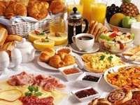 Frühstück - m ....................