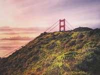 Fotografia krajobrazu mostu wiszącego - Conzelman and Kirby, Kalifornia, USA, Hrabstwo Marin, Stany Zjednoczone